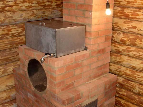 Банная печь с кирпичным дымоходом